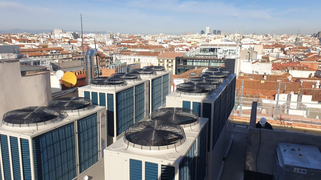 Picture of a heat pump on a roof top in Spain